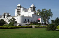 Udaipur Taxi Services For Local Sightseeing